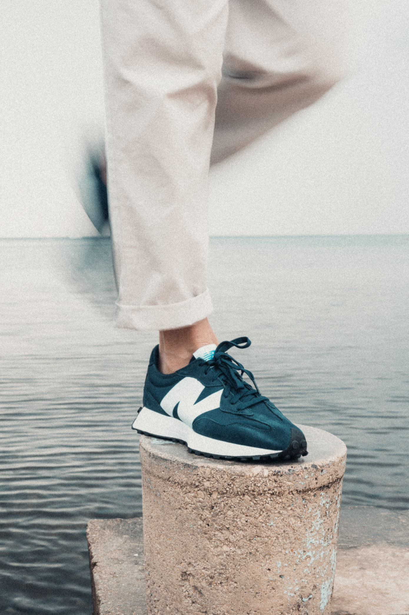 Sandro Paris, Acne Studios, New Balances 327